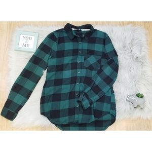Socialite Plaid Flannel ButtoN up Top Shirt Small